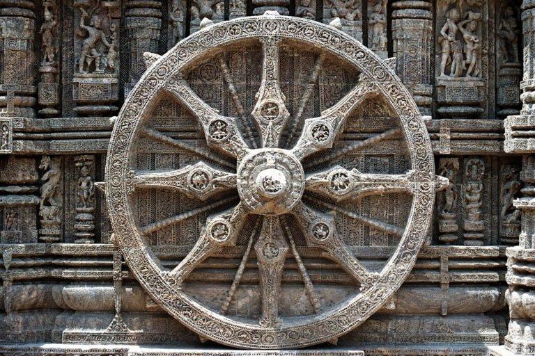Dharmacakra_(Buddhist_Wheel),_Sun_temple,_Orissa
